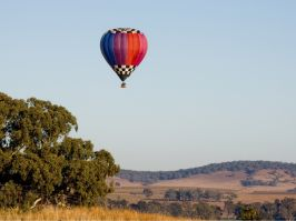 Hot air ballooning in Canowindra at sunrise