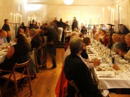 People dining in Molong