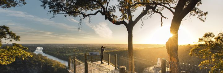 Mount Portal Lookout - Blue Mountains - scenic views overlooking the Nepean River