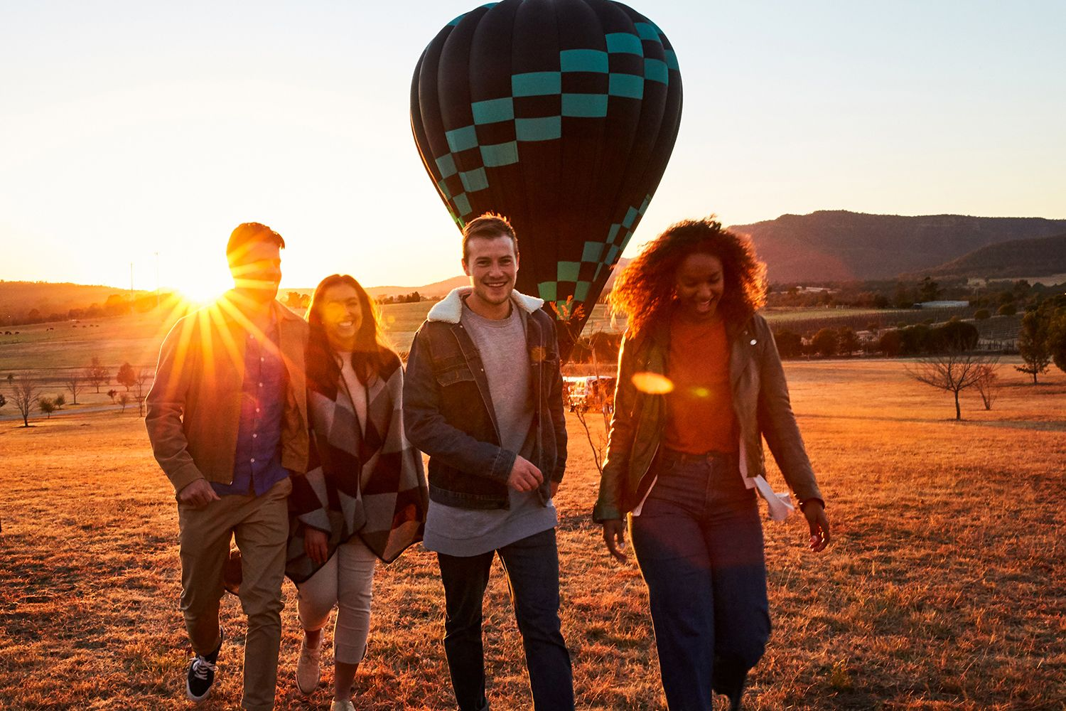 Friends enjoyed the Hot air balloon, Hunter Valley
