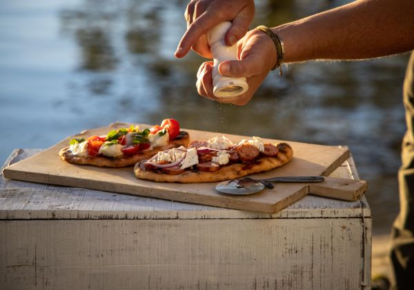 Buffalo mozzarella and traditional German sausage feature on this moreish flatbread pizza.