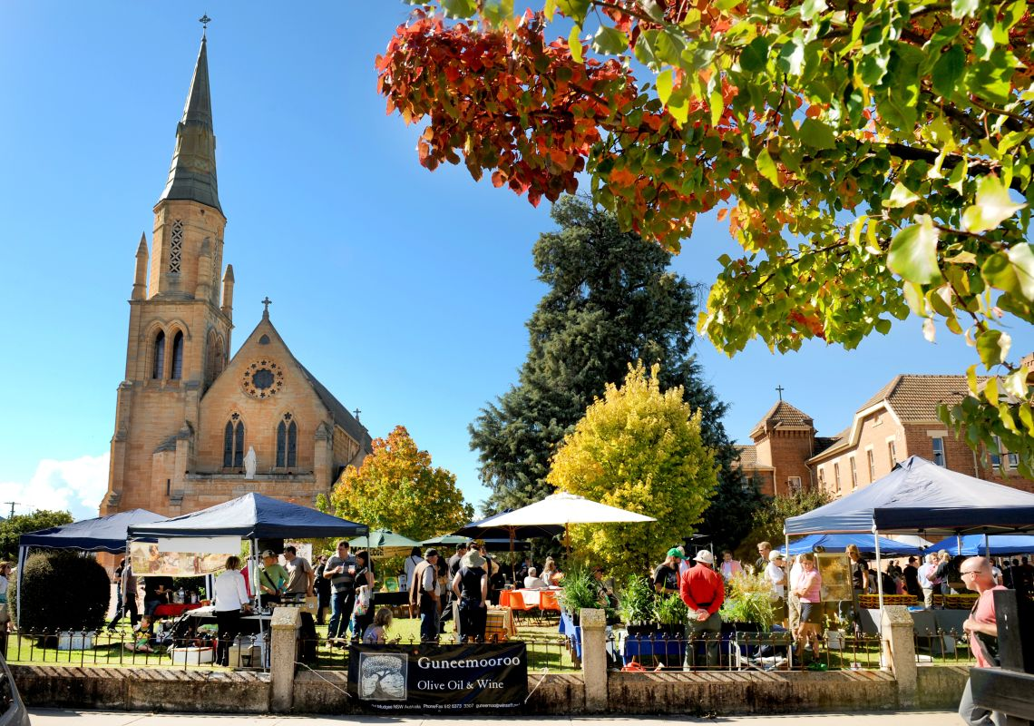 People browsing the Fine Foods Farmers' Market, in Mudgee
