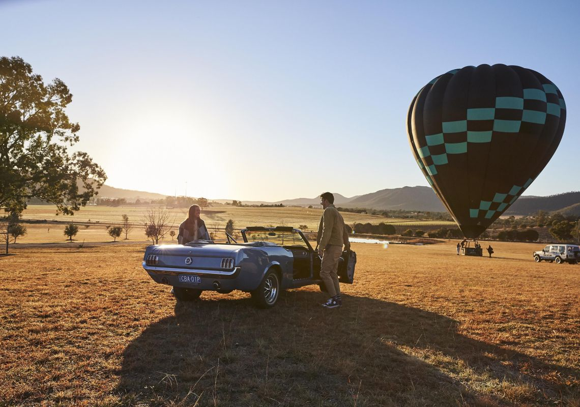 Rent a car or take a hot air balloon - so many experiences in the Hunter Valley