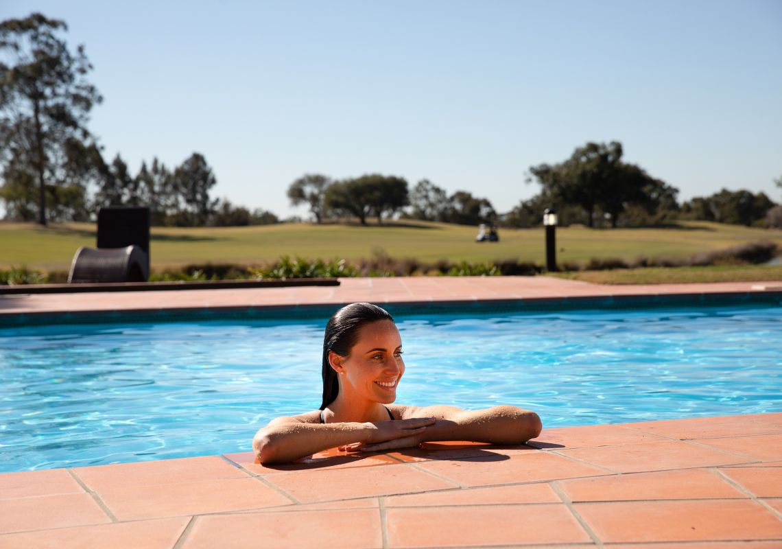 enjoying Oaks Cyprus Lakes Resort facilities in the Hunter Valley