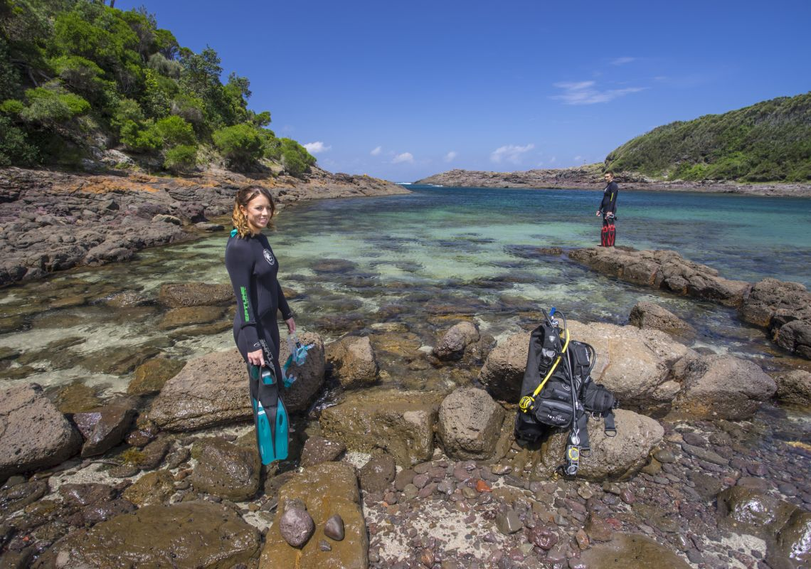 Couple ready to dive in Bushrangers Bay, Shellharbour