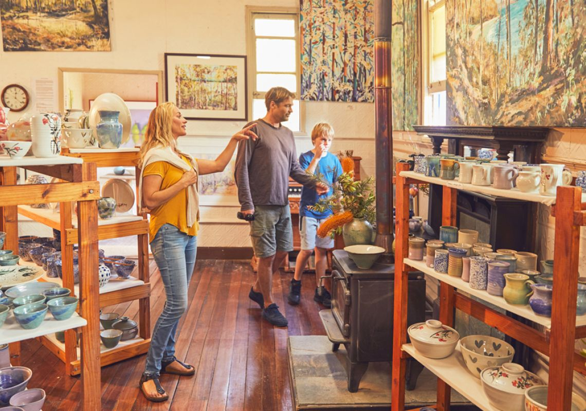 Mogo Pottery & Art Gallery in Eurobodalla, Batemans Bay and Eurobodalla, South Coast