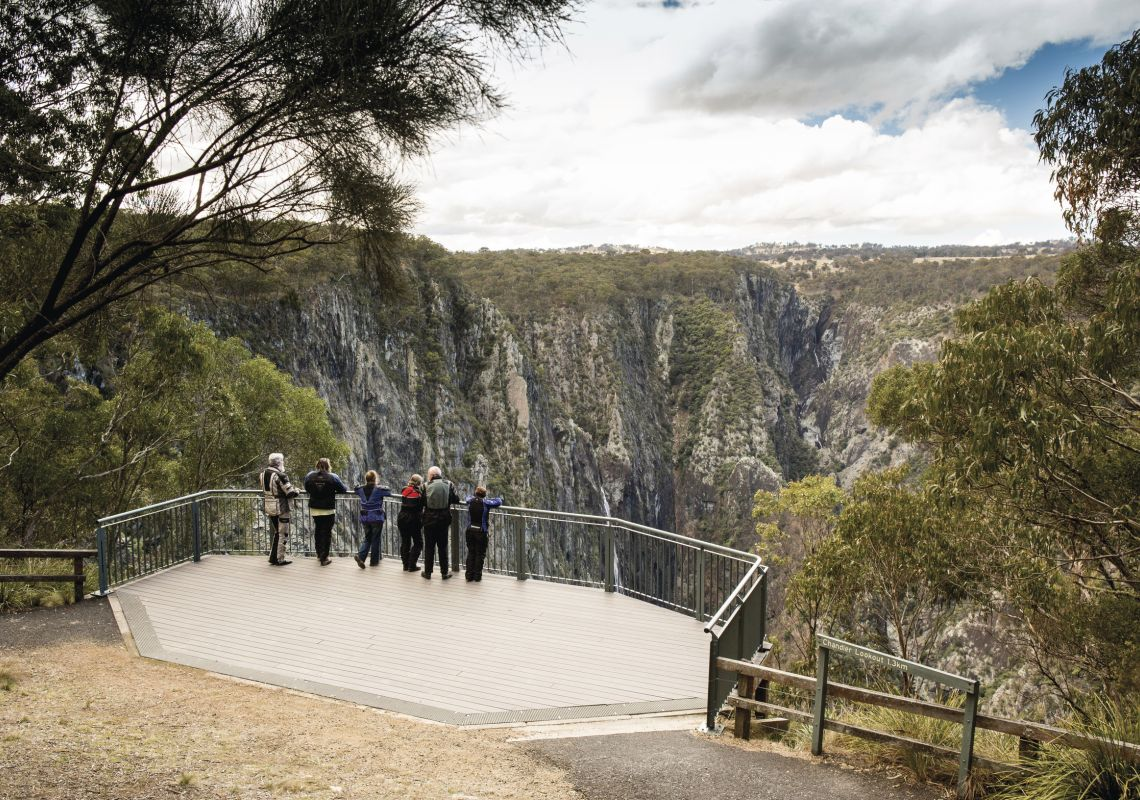 Friends enjoying the view of Apsley Gorge Rim in Oxley Wild Rivers National Park, near Walcha