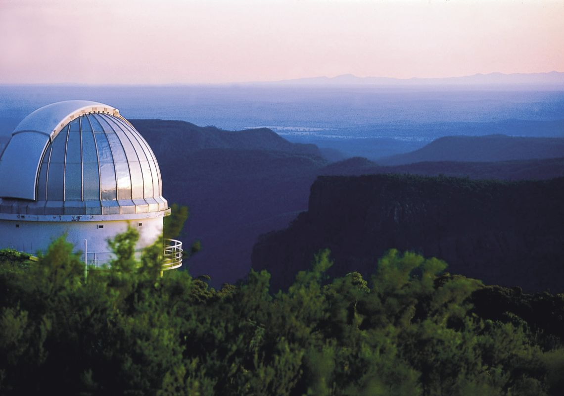Long shot of the Siding Spring Observatory at twilight time in Coonabarabran