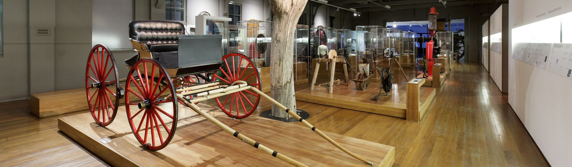 A colonial buggy carriage on display, Western Plains Cultural Centre