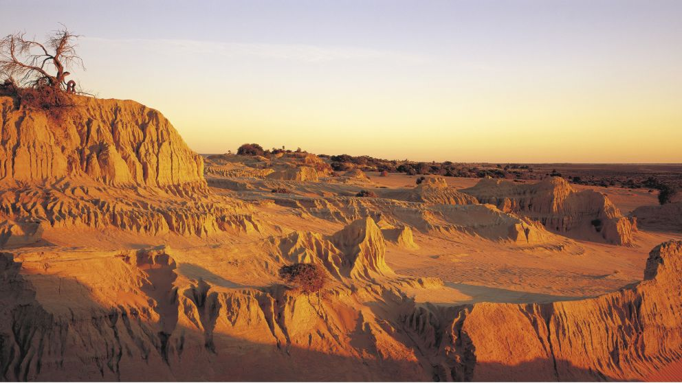 The dramatic landscape of the Walls of China, Mungo National Park, Willandra Lakes World Heritage area, Outback NSW