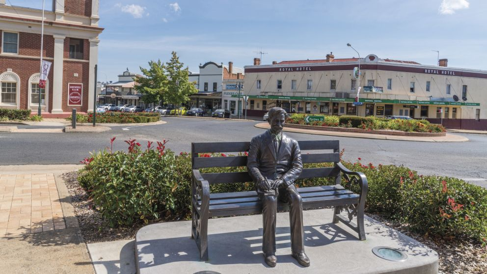 Henry Lawson sculpture sitting in the charming country town of Grenfell, Cowra Area