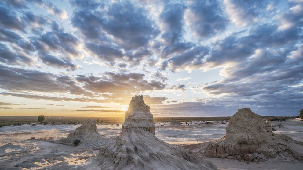 Walls of China - World Heritage Mungo National Park