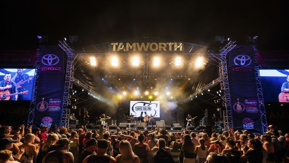 Crowds enjoying live country music at the 2019 Tamworth Country Music Festival