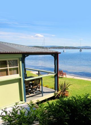 Iona Cottage, Lake Macquarie
