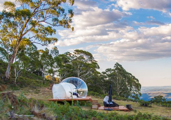 The Virgo Bubbletent located halfway between Lithgow and Mudgee with views overlooking the Capertee Valley