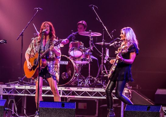 The McClymonts at Toyota Country Music Festival in Tamworth,  Country NSW